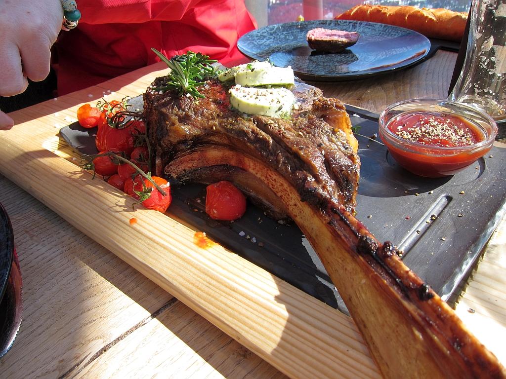 Tomahawk Steak in der hendl fischerei