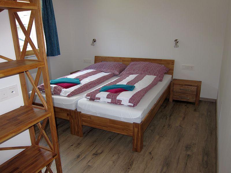 Ferienhaus Friedle: Schlafzimmer mit Bad